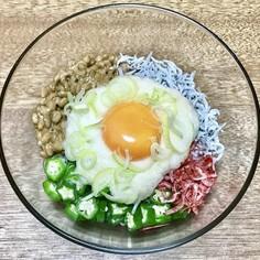 栄養満点!!ネバネバ五色冷麺