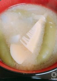 筍と新玉ねぎとスナップえんどうのみそ汁