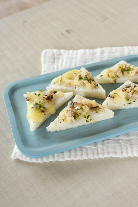 【離乳食後期】魚と青のりのチーズトースト