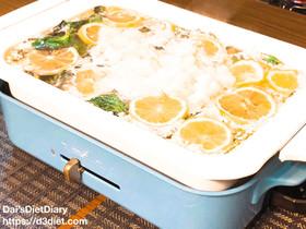 さっぱり!小松菜と鶏ももの塩麹レモン鍋