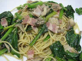 小松菜とマイタケの和風パスタ