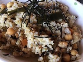 納豆とひよこ豆のポリポリまぜご飯
