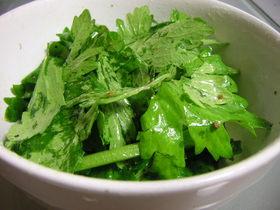 簡単!くせになる!セロリのグリーンサラダ