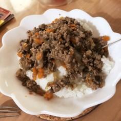 焼肉のタレで簡単!野菜たっぷりそぼろ丼