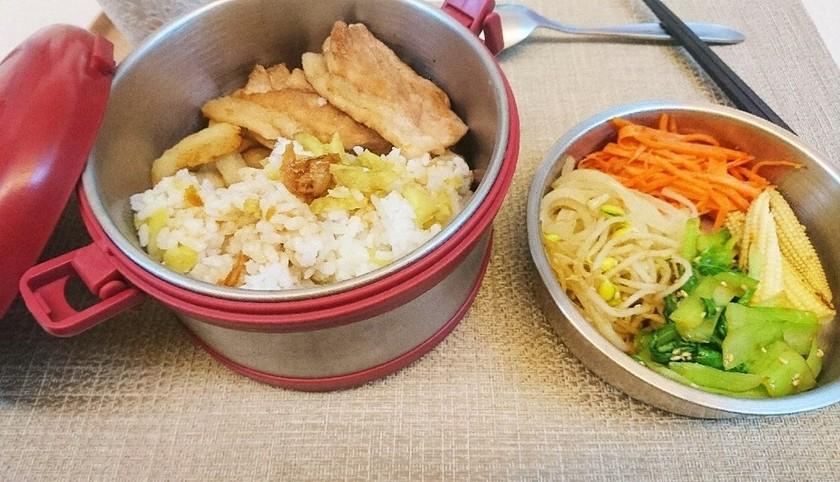 家族皆に幸せ!台湾伝統な熱い鉄路お弁当~