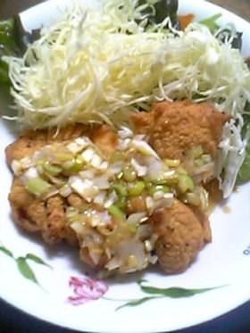 鶏の唐揚げ甘酢ソースがけ(油淋鶏)