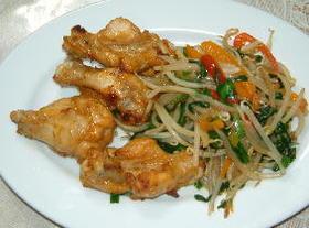 鶏手羽元のから揚げ、中華味付け合せ