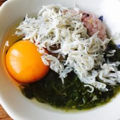 卵かけご飯にめかぶしらす☆