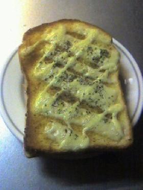 簡単!カレーチーズトースト