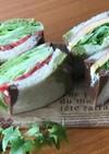 畳んだレタスで楽々サンドイッチ♡