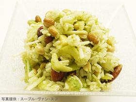 木の実とセロリのカルローズサラダ