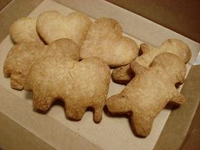 子供と一緒に♪甘さ控えめ☆型抜きクッキー