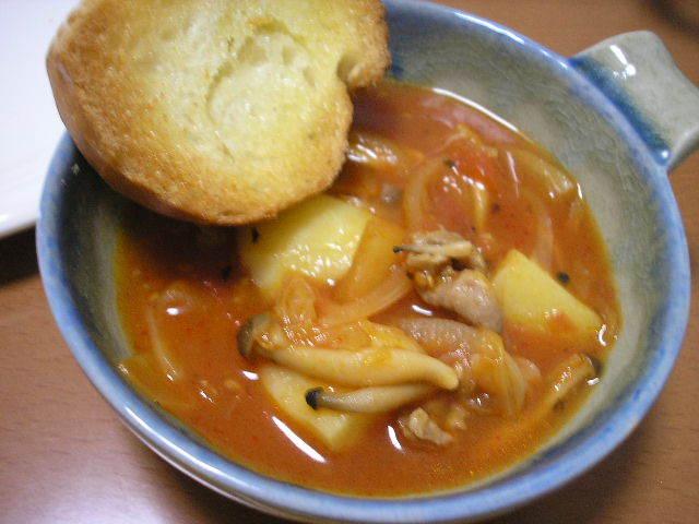 イタリア~ンな豚キムチトマト鍋♪