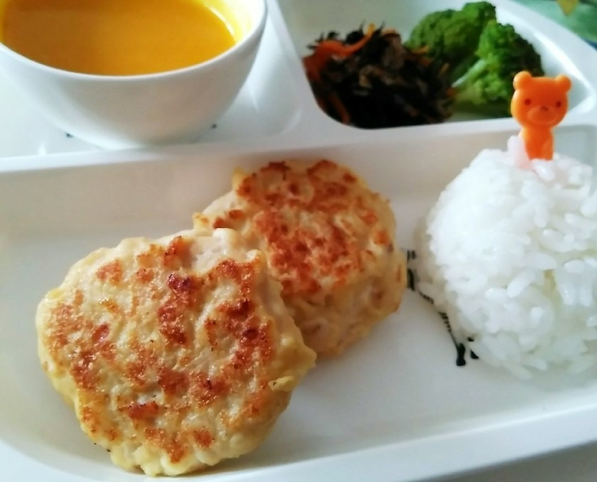 ★離乳食完了期★ふわふわ豆腐鶏ハンバーグ