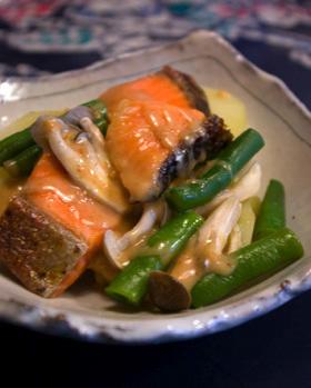 ゴマ薫る☆鮭&ポテトの温野菜サラダ♪