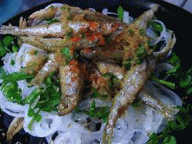 新玉ねぎと公魚のサラダ
