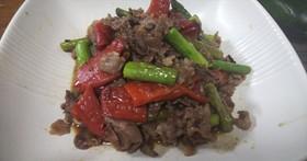 簡単・牛肉と季節野菜のバルサミコ酢炒め