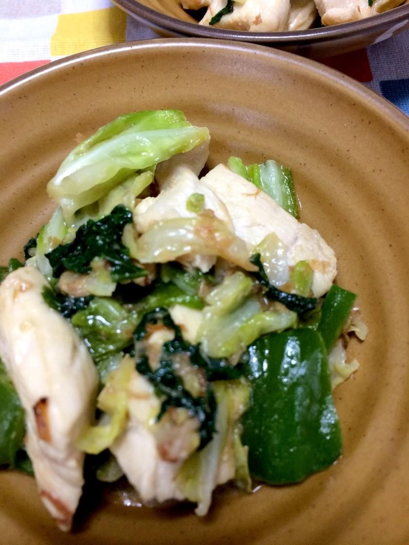 鶏胸肉とキャベツ ピーマンの味噌マヨ炒め