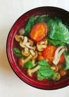 なめことトマトの中華スープ