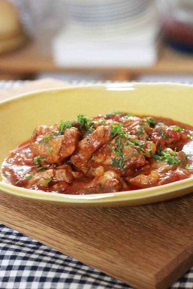 大葉塩ダレとトマト缶の豚軟骨煮