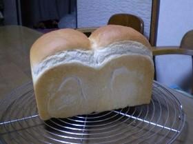 エミリーさん家の食パン。