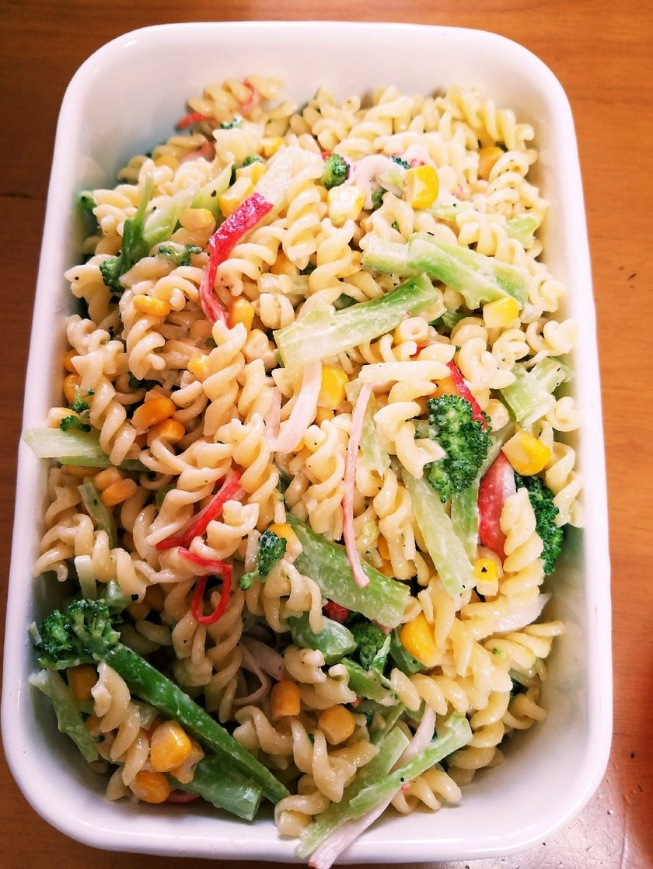ブロッコリーとマカロニのサラダ