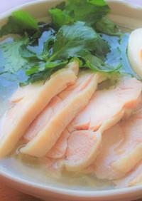 鶏もも肉と三つ葉の冷やしレモン塩ラーメン