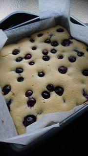 アーモンドケーキ♪ブルーベリーinの写真