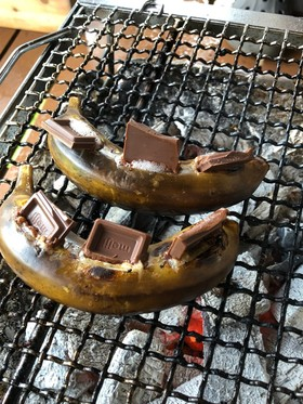 BBQ キャンプで 焼きチョコバナナ