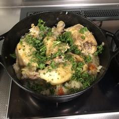 ダッチオーブンで作る!アジアン鶏めし