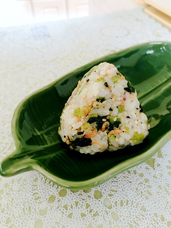 小松菜とじゃこのふりかけおにぎり、お弁当