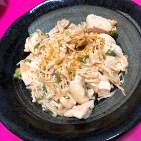 鶏モモ肉とエノキのポン酢炒め