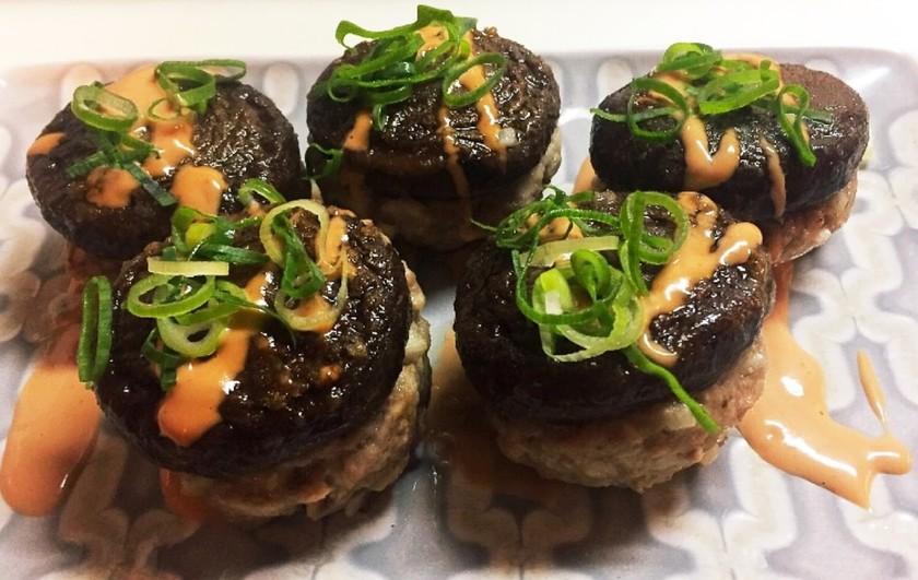 椎茸の肉詰め オーロラソース掛け