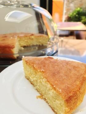 イギリスのレモンドリズルケーキ
