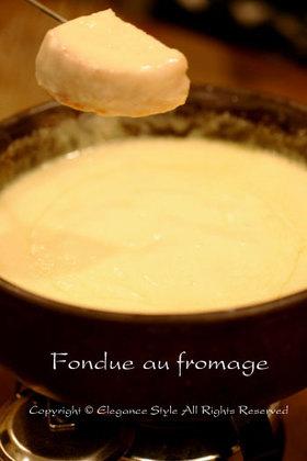 本場スイスの味「チーズフォンデュ」