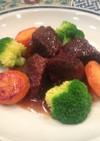 イノシシスネ肉の赤ワイン煮