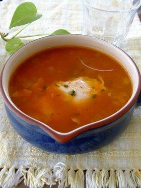 コロコロ野菜とポーチドエッグ入りスープ