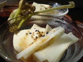 ✿うどとお豆腐のサラダ。ごまだれで✿