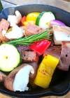 スキレットでミートローフと野菜のグリル