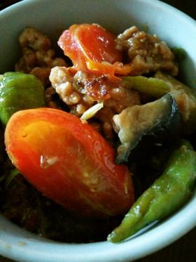 プチトマト入りの茄子と青唐のピリ辛肉味噌