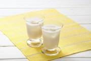 イチゴジャムの甘酒ヨーグルトの写真