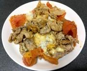 簡単!洗い物少なめ!トマトとチーズの豚丼の写真