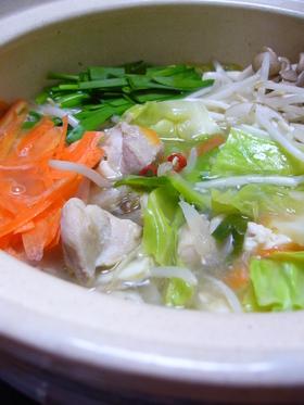 鶏と野菜の 塩にんにく鍋