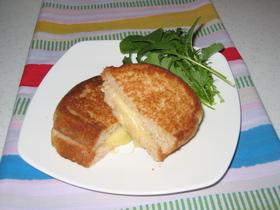 簡単フライパンで焼く*熱々サンドイッチ*