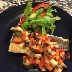 白身魚のソテー酸味の効いたモザイクソース