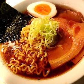 【海外】やみつき!醤油ラーメンのスープ
