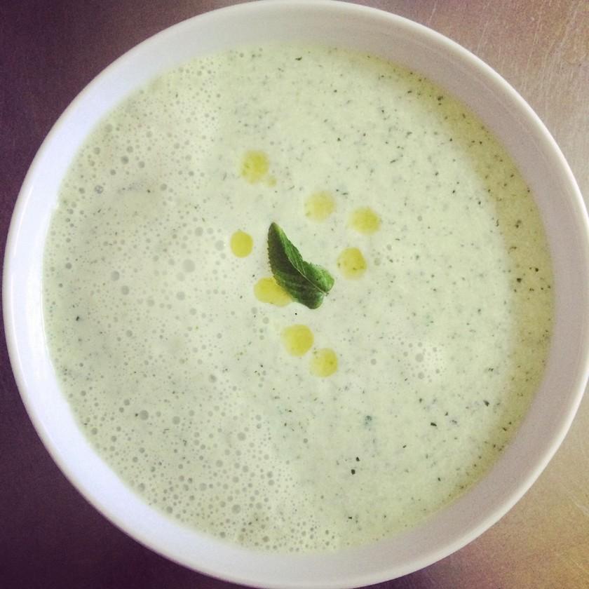 夏バテ防止☆キュウリの冷たいスープ