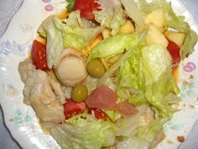 地中海風?魚介&鶏胸肉の簡単サラダ♪