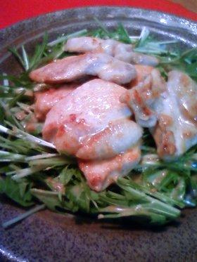 鶏むね肉ニンニク炒めをごまだれサラダで✿