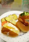 ドッグ3種と野菜チップス